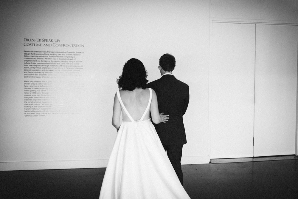 Jessica-Arno-Intimate-21c-Museum-Louisville-Kentucky-Wedding-By-Sarah-Katherine-Davis-Photography-146bw.jpg
