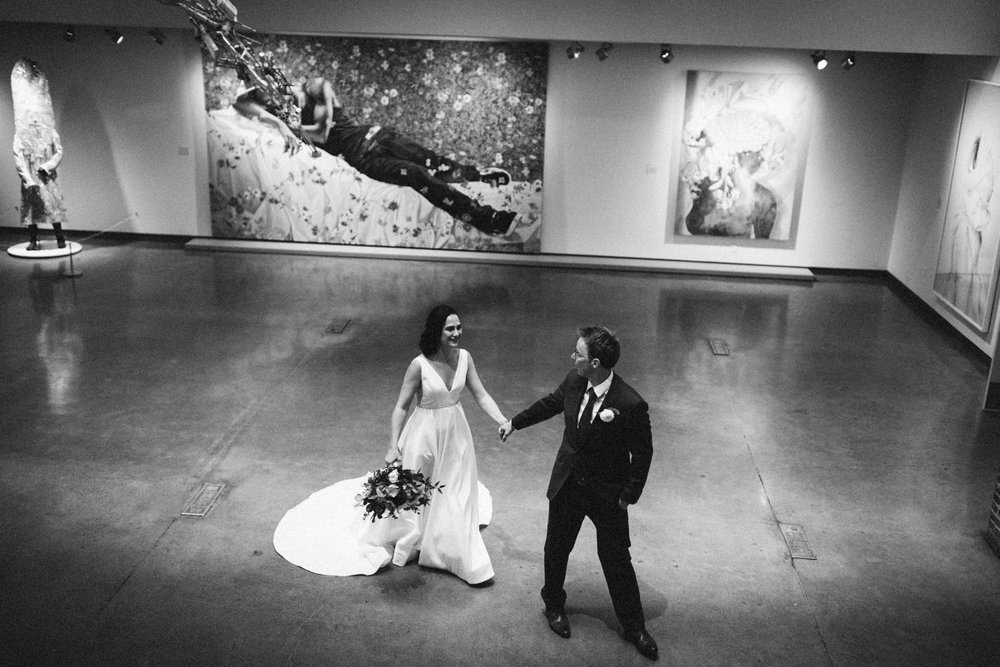 Jessica-Arno-Intimate-21c-Museum-Louisville-Kentucky-Wedding-By-Sarah-Katherine-Davis-Photography-255bw.jpg