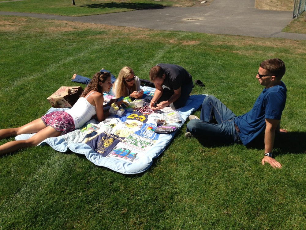 Picnic & posting in the park