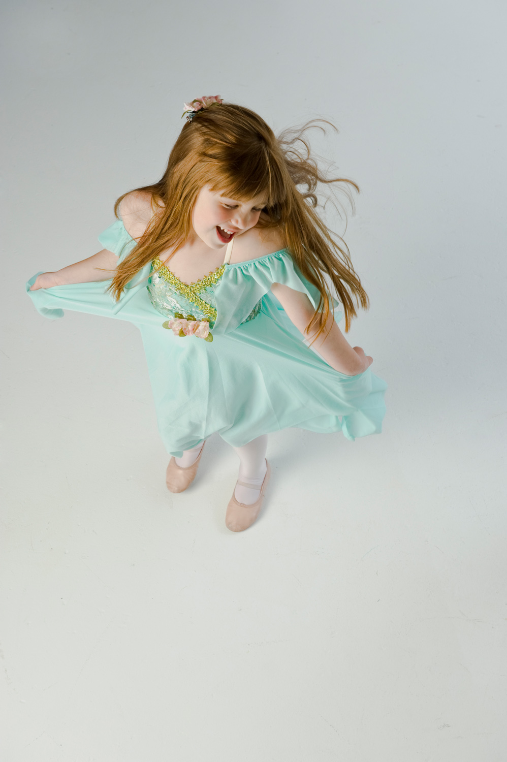 Nicole is a Chicago-based child photographer, family, baby photographer, commercial photographer, specializing in children's photography in Chicago, the Chicago North Shore suburban area and San Diego.