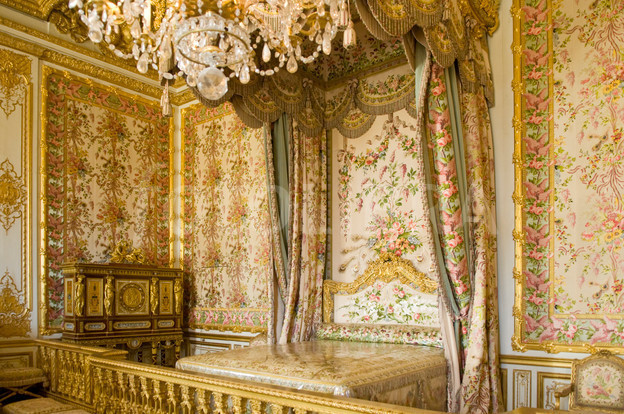 has always felt very baroque to me like these bedrooms from versailles