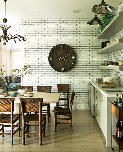 Do S Don Ts For Decorating With Black Tile: Subway Tile + Dark Grout