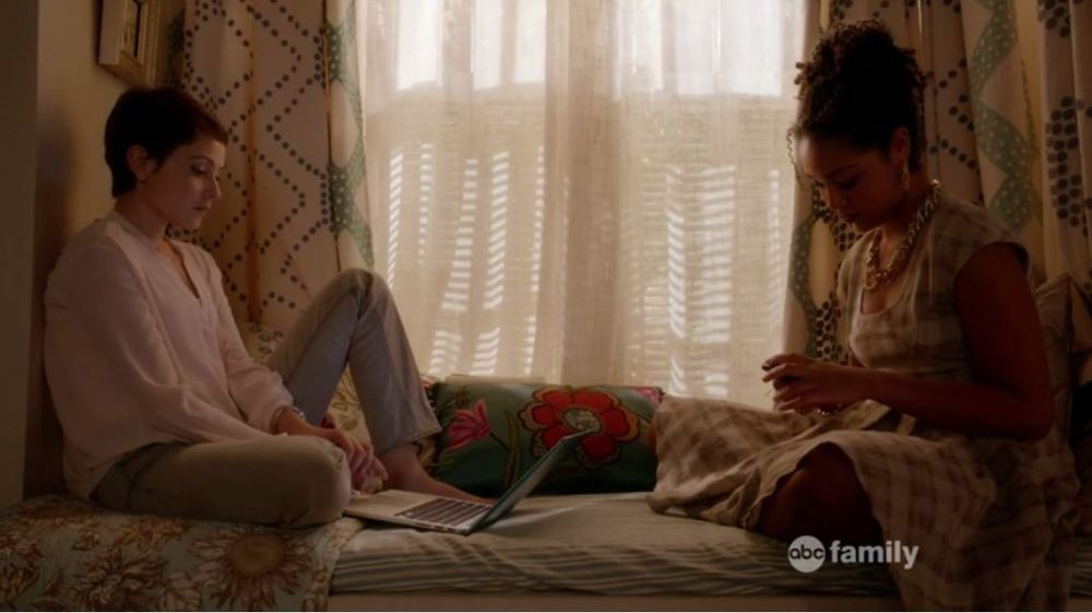 Chasing Life: Season 1, Episode 18 - A Beacon Hill townhouse with fabulous curtains and horrendous pillows.