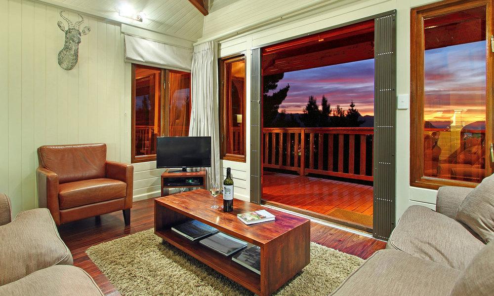 LL_PZ_lounge-3.jpg