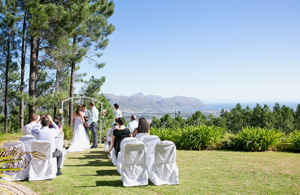 Weddings at Lalapanzi Lodge