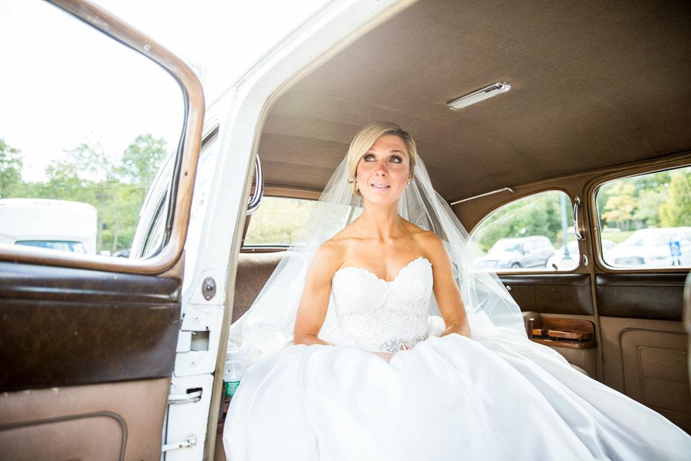 Wedding Dress Shopping Faq Answers From The Pros Silverfox