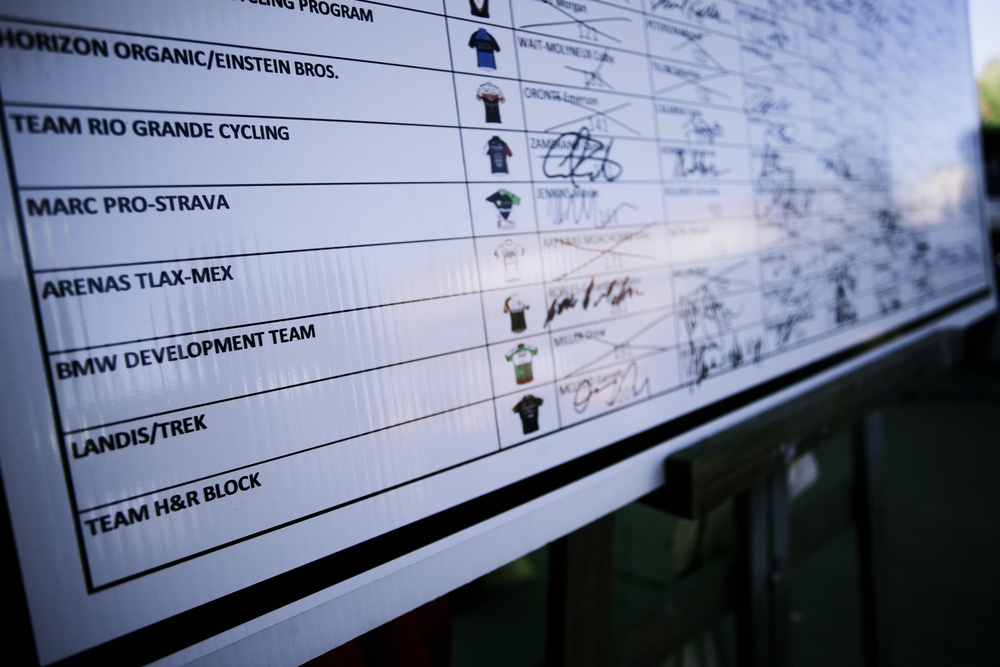 Sign in sheet had a lot of names crossed off by the time we reached the criterium | Photo: Andy Bokanev