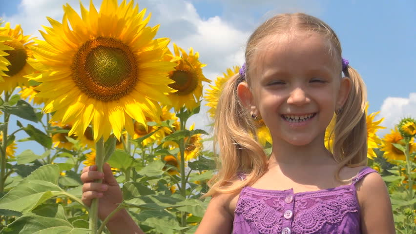 girl in sunflower 2.jpg