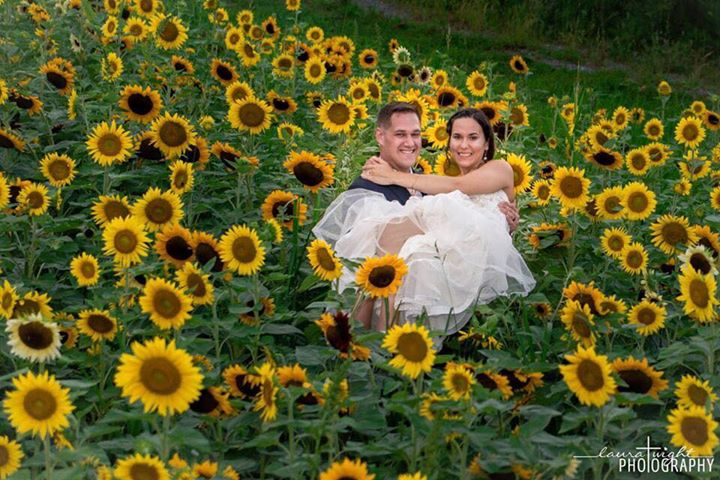 bride sunflower field.jpg