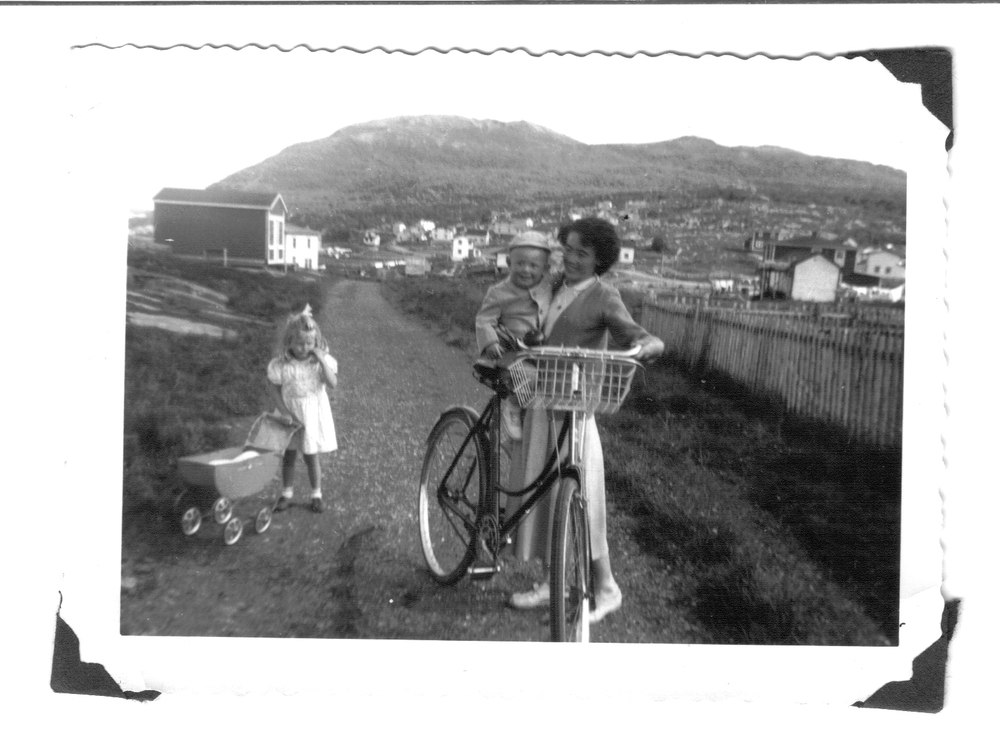 Newfoundland - Zilda Sulley, Linda Sulley, Dennis Lawrence in St. Anthony.jpg
