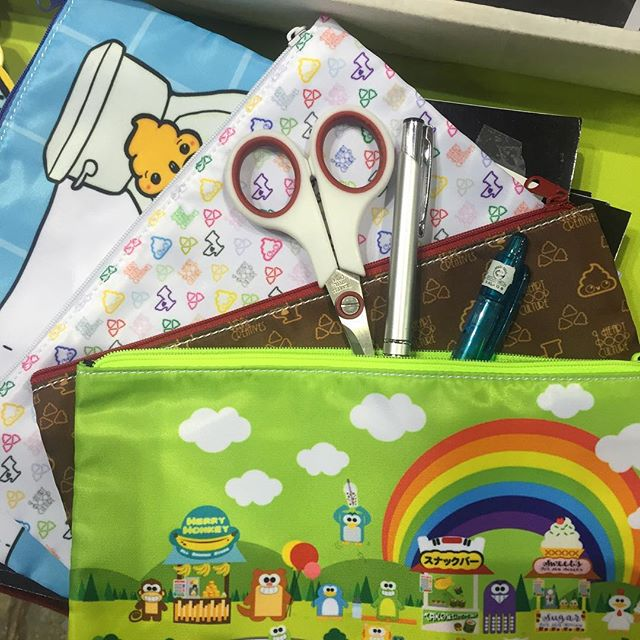 Its almost #backtoschool and we got some cool pouches!  Either use it for your pens, scissors, cosmetics or toiletries.  #furryfelinecreatives #purridgeandfriends #iheartpoopculture #gencon2016 #gencon #pouches #bags #booth2856