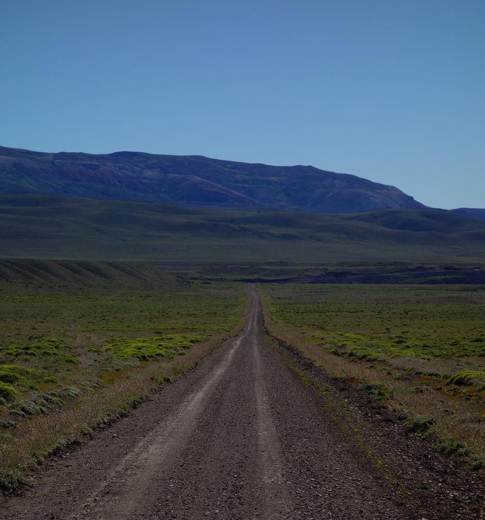 Road between Reserva Nacional Lago Jeinimeni and Chile Chio