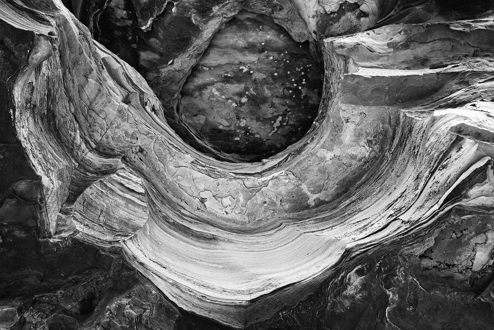 rock layer bw 8104.jpg