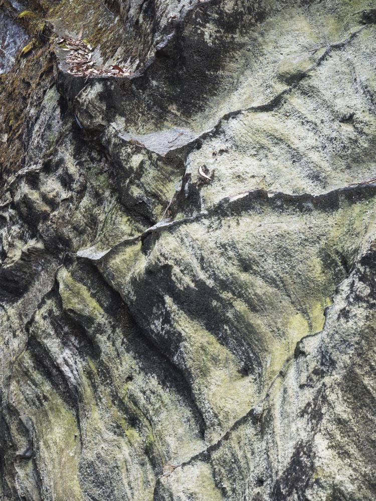 rock contour.jpg
