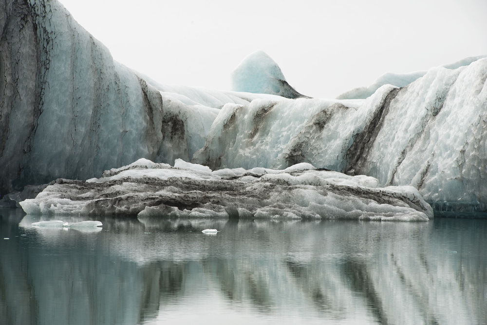 iceland curved ice 3923.jpg