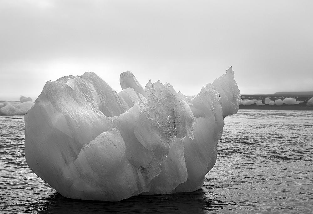 jokulsarlon ice bowl 3897.jpg
