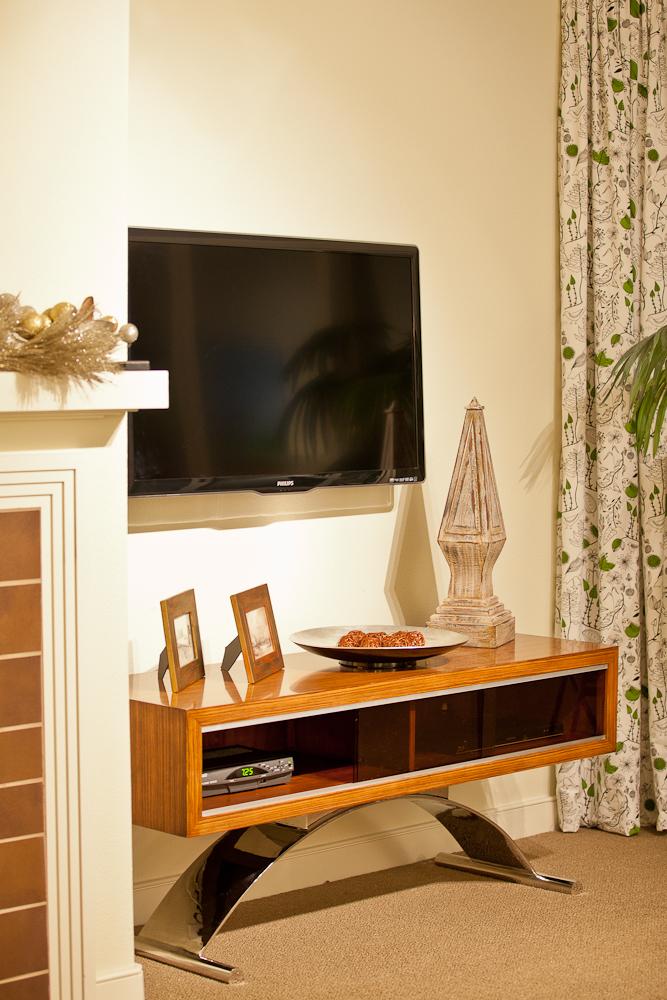 Living Room-IMG_7970.jpg