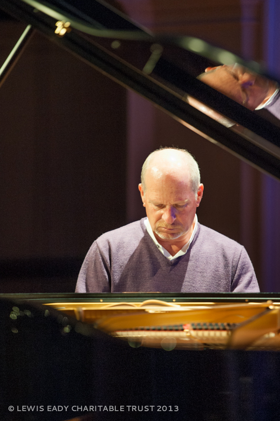 Michael Houstoun - pre concert warm up