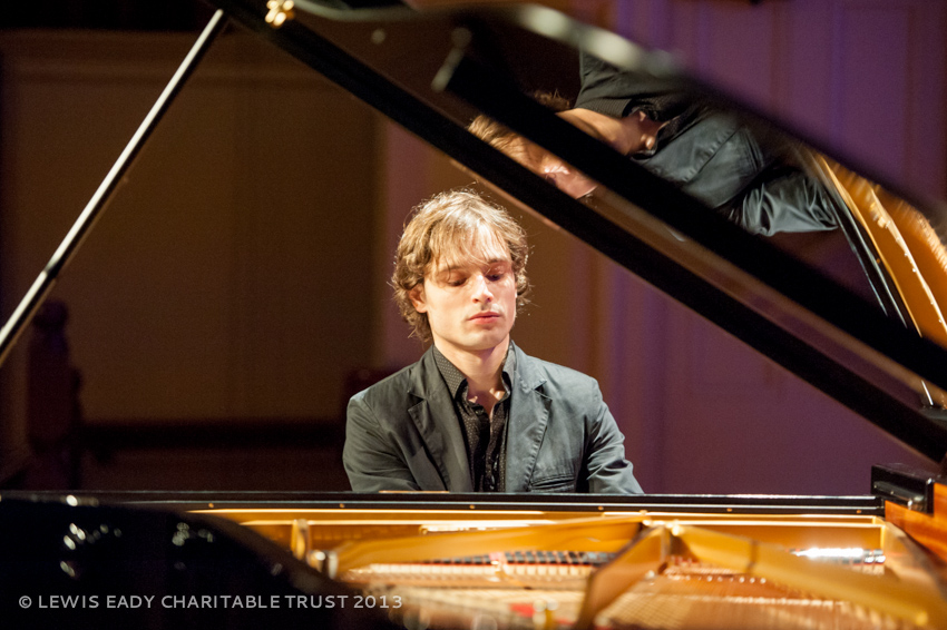 Ilya Rashkovskiy - pre concert warm up