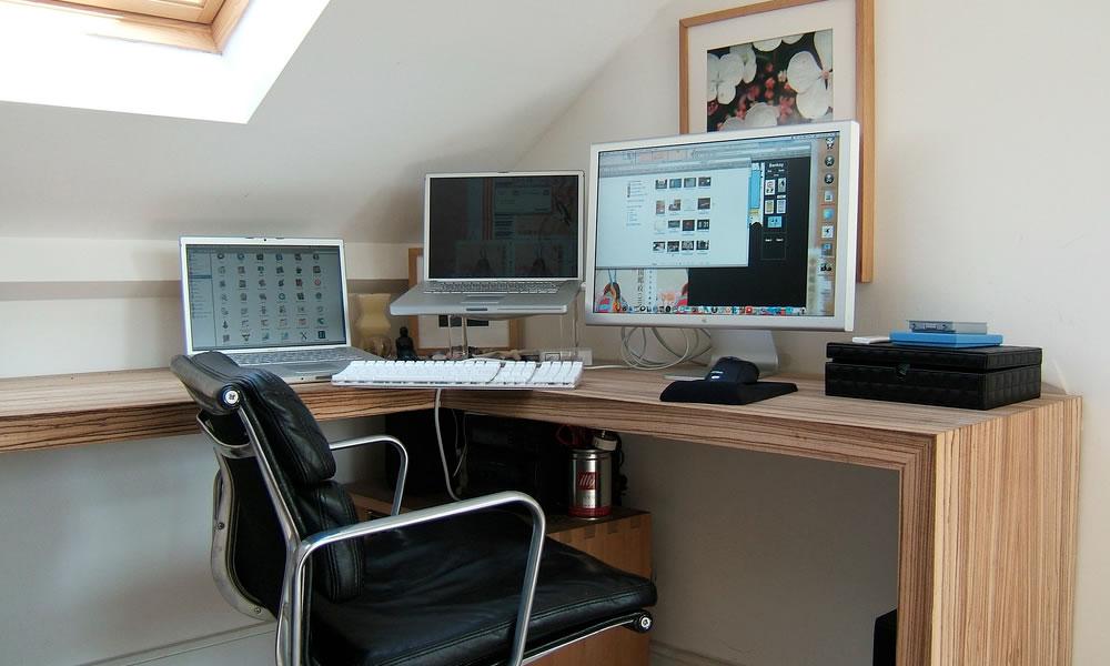 Mesa - importante ter espaço suficiente para acomodar seus equipamentos