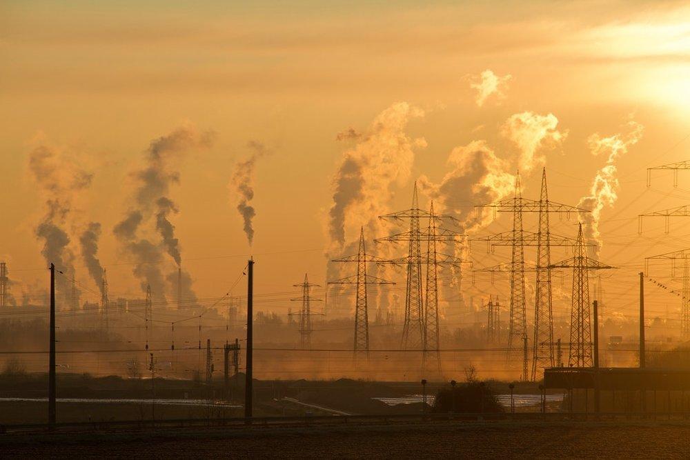 Poluição ambiental mata 12,6 milhões de pessoas por ano. Foto: PEXELS