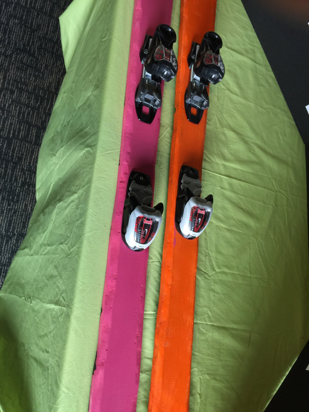 Skis 1.jpg