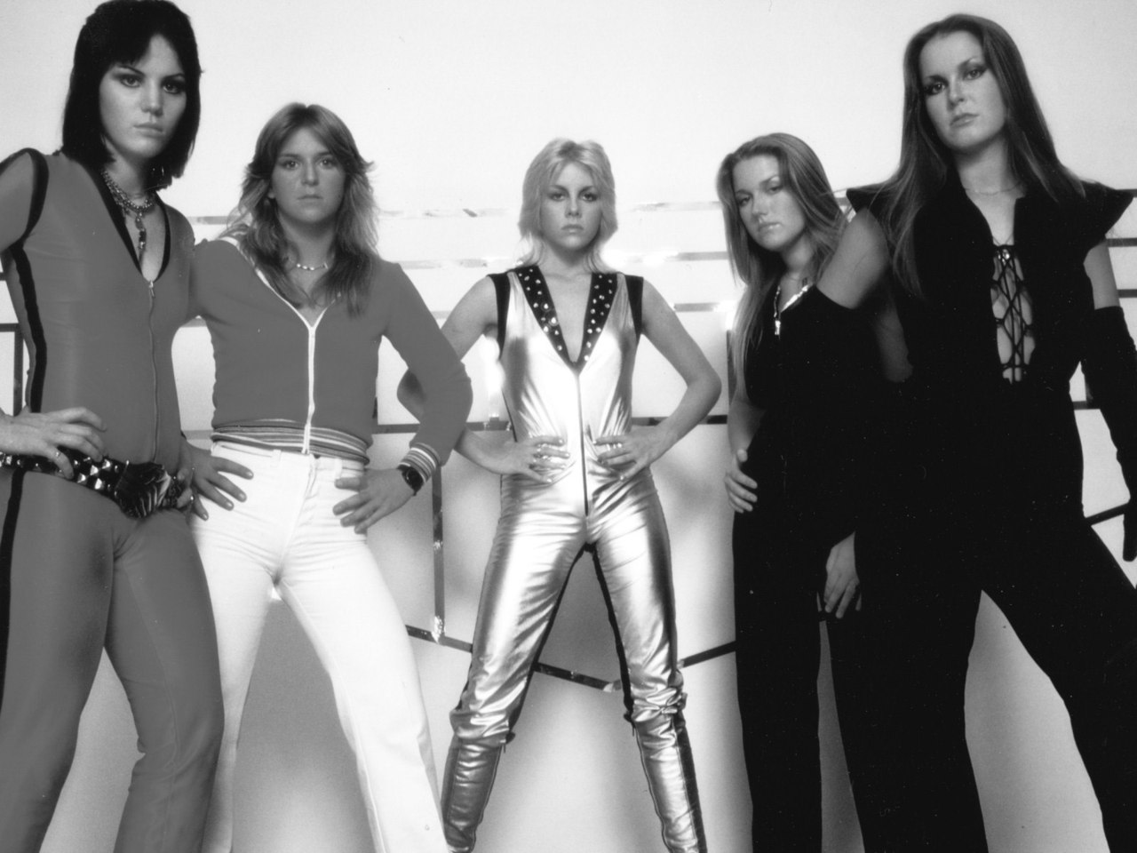 The Runaways, 1977 via  images2.fanpop.com    I will say that the super-glamourized biopic had makeup I'll be copying and it totally inspired me to kick everything, like a badass… Including a pile of rubbish on Fourth Ave, in front of the Tasti-D-Lite near 13th St. FUCK you, trash!