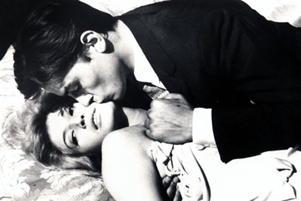 Alain Delon on Monica Vitti, the sexiest movie couple ever, in Antonioni's L'ecclisse. Although L'avventura is a far superior film, and my personal favorite of Antonioni's-edging out Blow-Up by a nose-Delon is irresisible, Vitti is magnetic and the cinematography is hauting.   Basically, i'm obsessed with Delon circa 1961.    via  AlloCiné