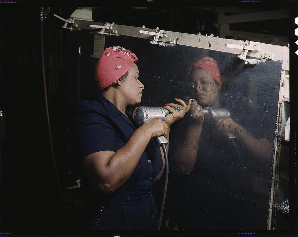 'Rosie the Riveter': Real and In Color.  Shared by Phil. This spectacular collection of  early-WWII era color photographs  by  Jack Delano ,  Russell Lee , et al is well worth a look.   via  Captured: America in Color from 1939-1943 – Plog Photo Blog