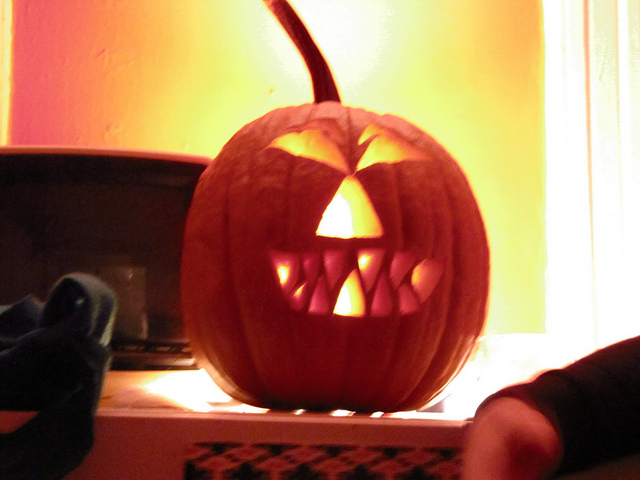 Erin & Phil's Halloween Soirée -30.10.10    via  MissBadia