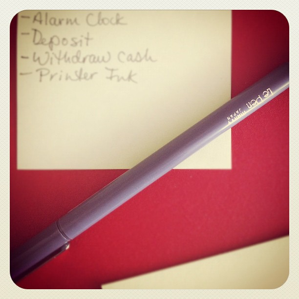 le stylo gris Le Pen (Taken with  instagram )