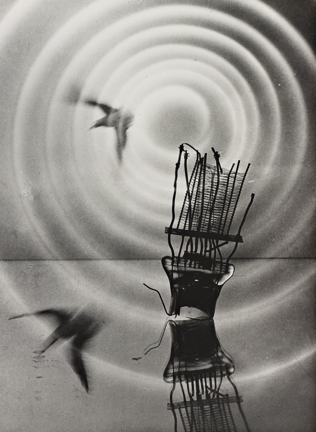 Der Gong by Heinz Hajek-Halke (1960)