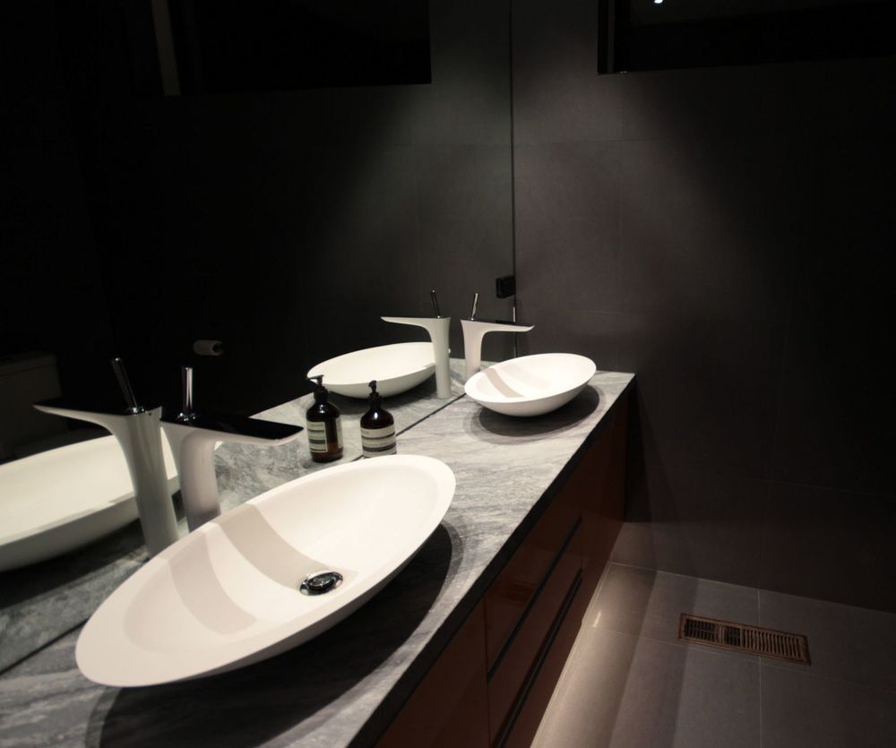 mintlightingdesign_ensuite_sq.jpg