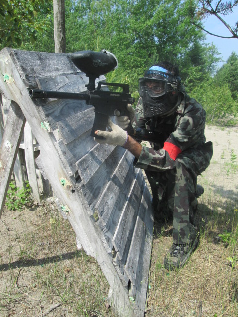 Paintball stance