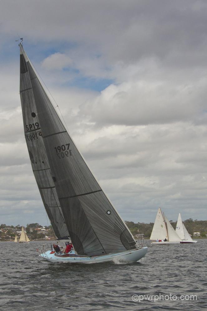 2014-15 race1-0127.jpg