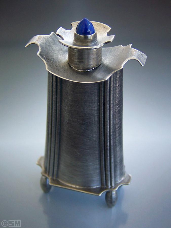 lapis perfume 1.jpg
