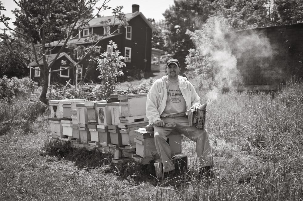 beekeeper-stephen-repasky-29720.jpg