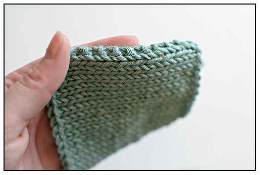 Garter stitch selvedges shown in a great article on seaming from Creative Knitting.