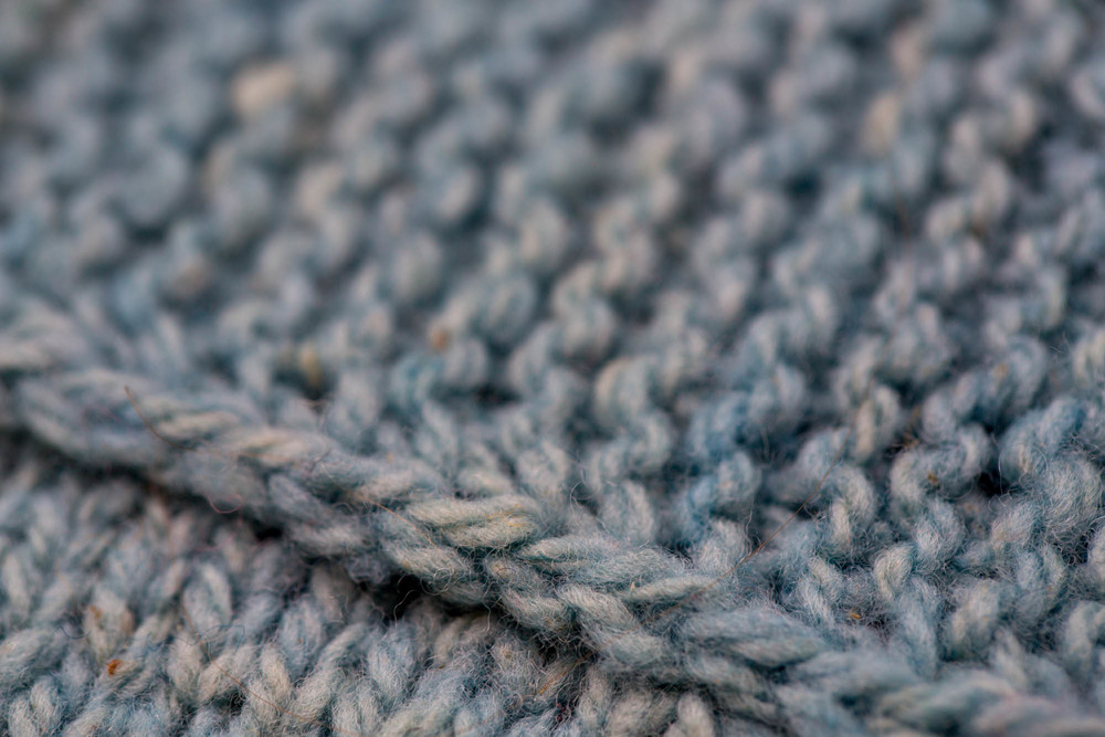 The visible-from-the-right side selvedge chain on the baby sweater I shared last week.