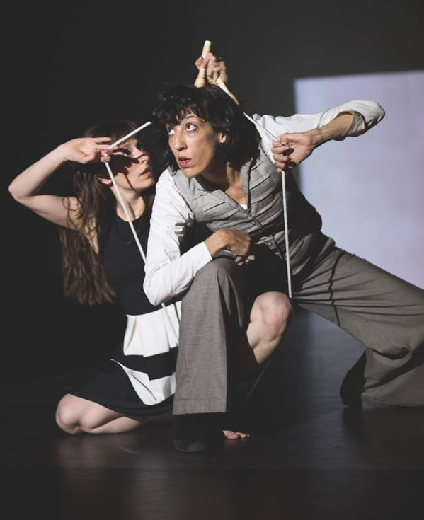 Collaborations Expanding the medium of dance to other art fields as music, visual arts and technology. Image: Alice Syndrome, photo credit Dipa De Floor (NL)