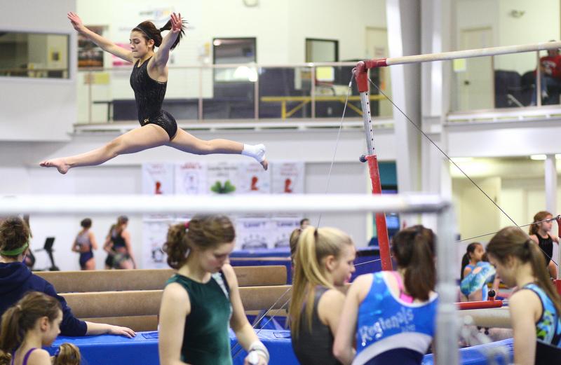 dspts_0204_gymnastics01.jpg