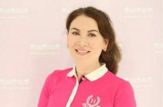 Olga Simonis -Ihre Spezialistin für Faltenbehandlung und Anti-aging in Raum Stuttgart. Schlosspark Klinik.