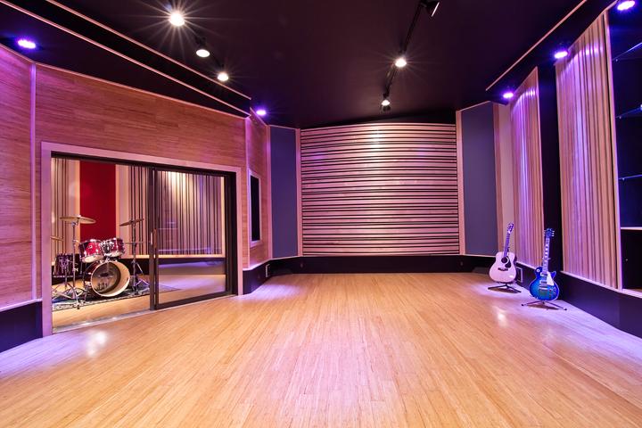 Studio_04.png