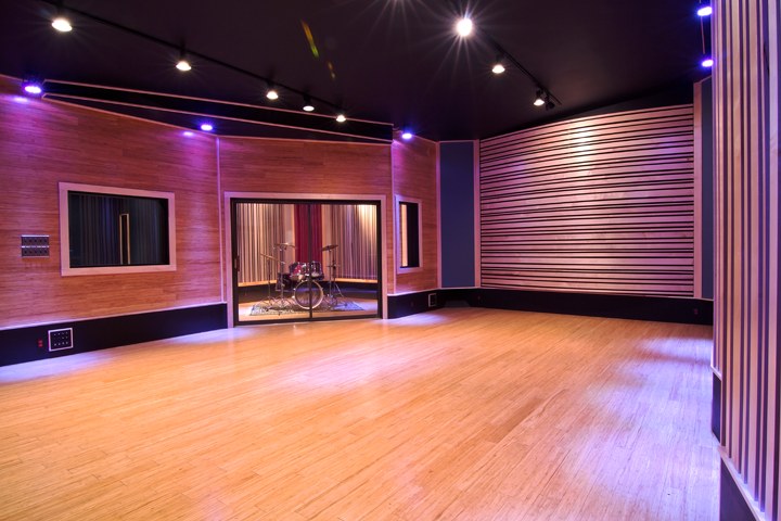 Studio_06.png
