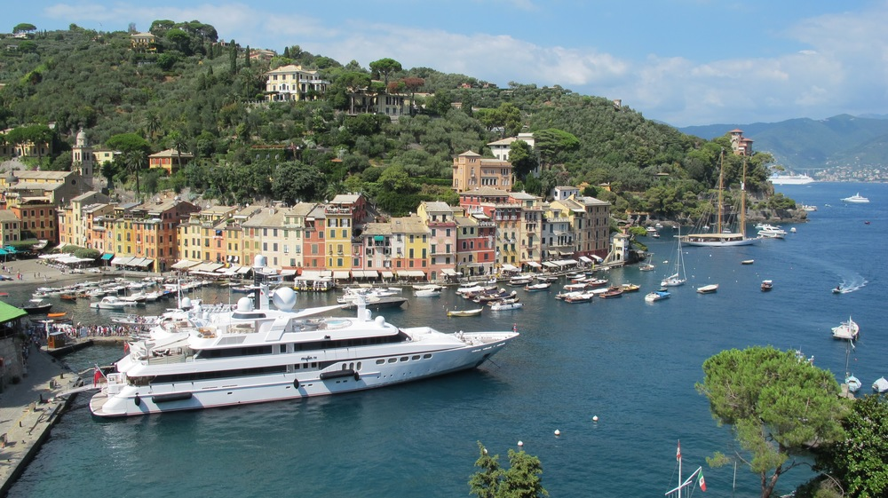 Yacht pollution in Portofino.