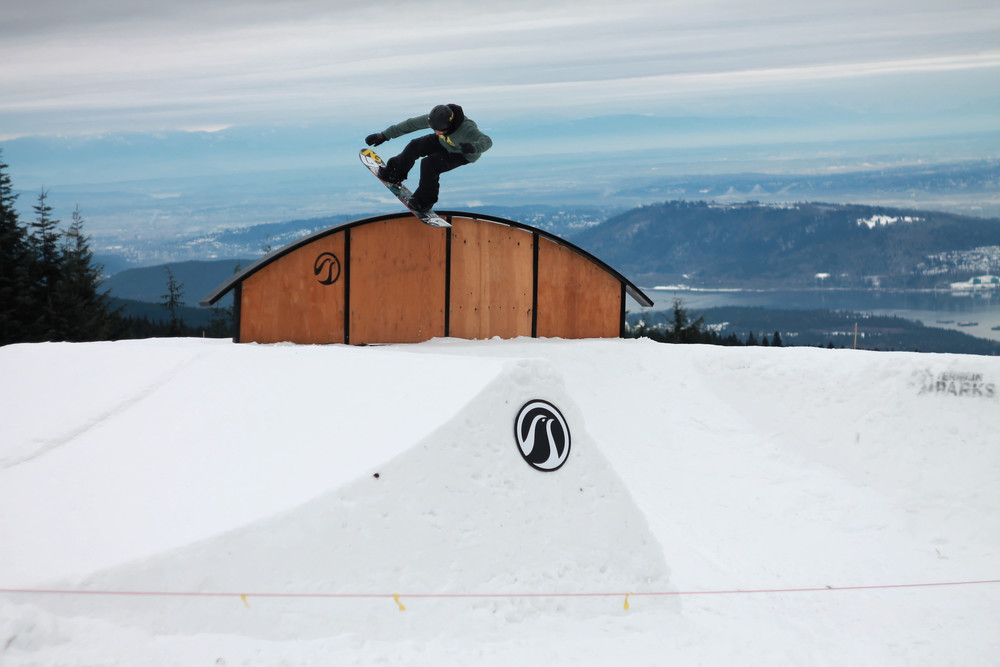 Zac Dolesky with a Blunt Stall.