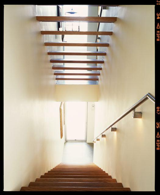 Stairs[2].jpg