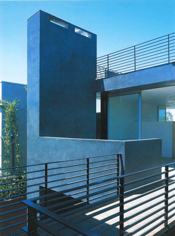 GA House-Floating House 3.jpg