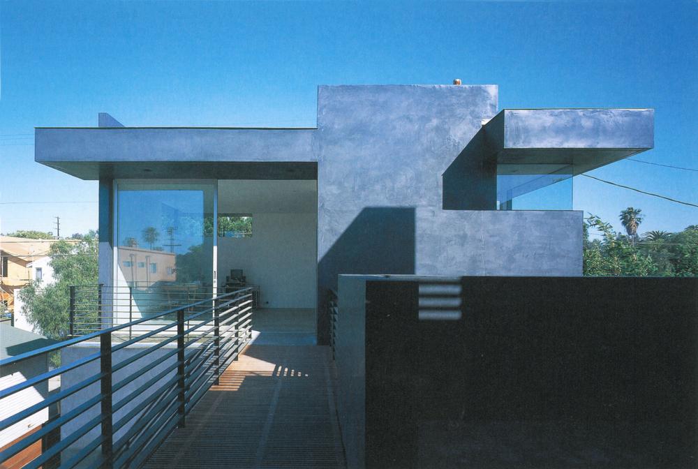 GA House-Floating House 2.jpg