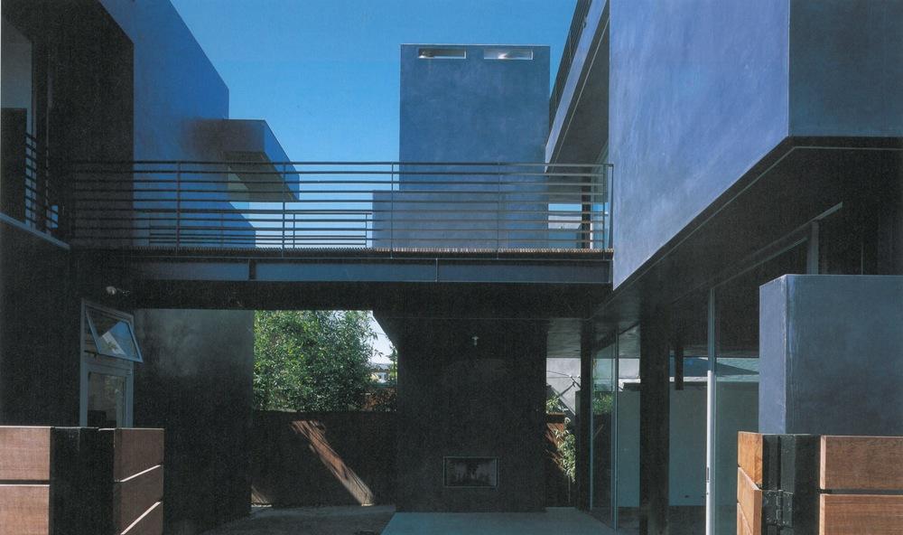 GA House-Floating House 6.jpg